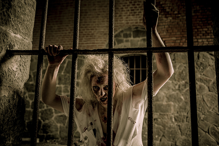 Sinister Tombs Haunted House Attraction