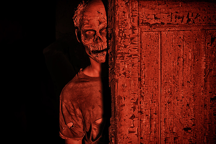 Burial Chamber Haunted House Complex Attraction