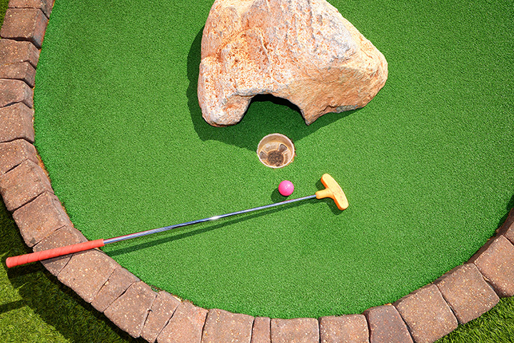 The Red Putter Mini Golf
